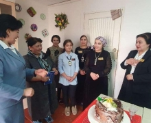 "UzLiDeP activist organizes free training courses for girls included in ""Ayollar Daftari"""